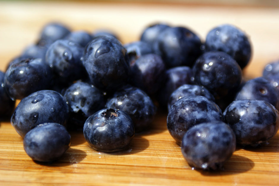 Blueberries are a great source of resveratrol and other antioxidants, along with dietary fiber, vitamins C and K and manganese. Flickr: Kyle McDonald